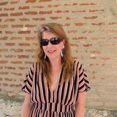 Look con un vestido a rayas, ¡sencillo y sofisticado!