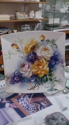 China Painting, Tole Painting, Ceramic Painting, Ceramic Art, Hand Painted Ceramics, Porcelain Ceramics, Pictures For Sale, One Stroke Painting, Christmas Swags