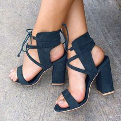 Suede Cross Strap Chunky Heel Sandals from Shoes Party Wildleder Cross Strap Blockabsatz Sandalen Cute Shoes, Women's Shoes, Me Too Shoes, Shoe Boots, Strappy Shoes, Heeled Sandals, Heeled Boots, Chunky Sandals, Chunky Heels Outfit