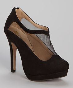 This Black Avenue Pump is perfect! #zulilyfinds   HOOTIE HEELS!!!