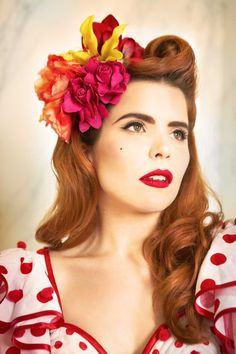 Paloma Faith. I adore her style and her music!