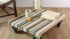 DIY deco cheap: build a coffee table with wooden boards - Gutzg Sites Build A Coffee Table, Stylish Coffee Table, Palette Deco, Recycled Decor, Driftwood Furniture, Furniture Design, Furniture Ideas, Sweet Home, Diy Crafts