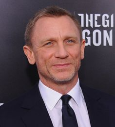 Celebrities - Daniel Craig Photos collection You can visit our site to see other photos. Craig Bond, Daniel Craig James Bond, Rachel Weisz, Daniel Graig, Best Bond, Lucky Girl, Saturday Night Live, Lara Croft, Munich