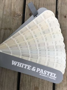 The Best Sherwin-Williams Whites: Undertones Explained Good Living Room Colors, Interior Paint Colors For Living Room, Interior Wall Colors, Paint Colors For Home, House Colors, Interior Design, White Wall Paint, Best White Paint, White Paints