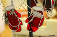 more red mittens.... Everyone wants red Mittens!!
