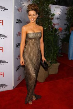 In June 2004, Kate Beckinsale wore