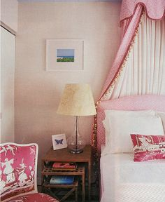 loving the preppy pink chinoiserie