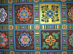 I love the color schemes in Korean temples
