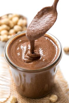This SUPERFOOD Vegan Nutella recipe combines hazelnuts with amazing superfoods to get a healthy, delicious and decadent twist on this classic junk food! #nutella #vegan #medicinalmushrooms #superfoods #simplyquinoa