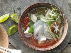 Der asiatische Snack schlechthin: Hähnchen-Glasnudelsuppe - smarter - Kalorien: 224 Kcal | Zeit: 30 min. #asia