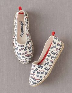 Espadrilles with sunglasses print = so cute
