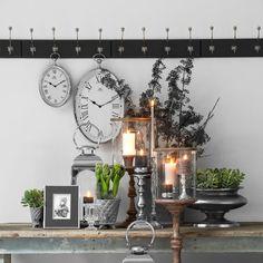Kapstokken, kaarsen, kandelaars, klokken van Lene Bjerre