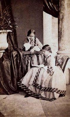 Princesa Isabel e sua irmã Princesa Leopoldina