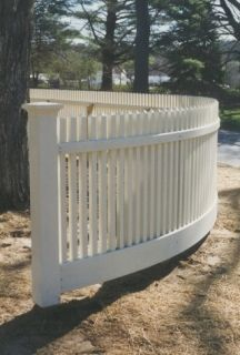 Curved picket fence - All About Garden Picket Fence Garden, Picket Fence Panels, Farm Fence, Garden Fencing, Front Yard Design, Front Yard Fence, Fence Gate, Front Yards, Front Porch
