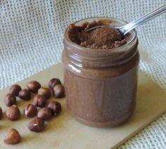 zelfgemaakte choco met hazelnoten (zonder suiker of melk)