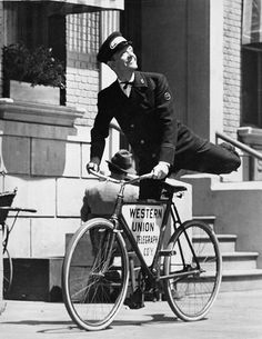 Fred Astaire rides a bike. Cycling Art, Cycling Bikes, Classic Hollywood, Old Hollywood, History Of Dance, Bike Illustration, Fred And Ginger, Vintage Cycles, Cycle Chic