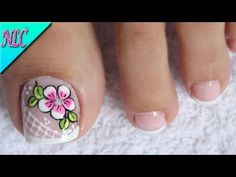 DISEÑO DE UÑAS PARA PIES FLOR SENCILLA - FLOWERS NAIL ART - NLC - YouTube Pedicure Nail Art, Toe Nail Art, Mani Pedi, Cute Toe Nails, Pretty Nails, Flamingo Nails, Toe Nail Designs, Pretty Designs, Creative Nails