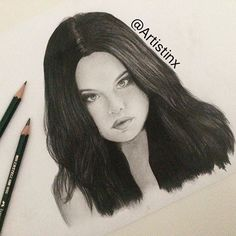 Selena Gomez drawing by @Artistinx