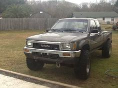Dream truck- toyota pickup w/ extended cab. Silver, blue, or black. Toyota V6, 2010 Toyota Tacoma, Toyota Trucks, Trucks For Sale, Offroad, 4 Runner, Automotive Art, Cars, Vehicles