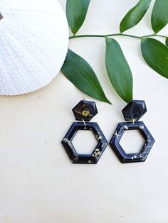 Black/Gold Hexagon Alcohol Ink Earrings – Hand Crafted – Gold Plated – Modern – Geometric – Statement Earrings – Jenn Robertson Art - New Sites Pink And Gold, Black Gold, Alcohol Ink Jewelry, Hexagon Shape, Resin Art, Beautiful Earrings, New Art, Statement Earrings, Red Roses
