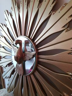 Divino em Madeira e Alumínio. Encontra-se em shopping Catuai em Londrina - PR , loja Fatisa móveis e decorações. Telefone : (43) 3339-1470