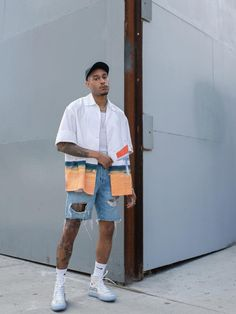 Summer Outfits Discover 10 Ways To Style The Iconic Converse Chuck 70 Sneaker 10 Ways To Style The Iconic Converse Chuck 70 Sneaker PAUSE Online Summer Outfits Men, Stylish Mens Outfits, Miami Outfits, Summer Men, Style Summer, Spring Summer, Mode Masculine, Hommes Grunge, Fashion Mode