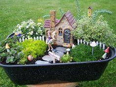 Fairy House Crafts, Garden Crafts, Garden Projects, Garden Art, Garden Design, Kids Fairy Garden, Fairy Garden Houses, Dinosaur Garden, Cactus E Suculentas