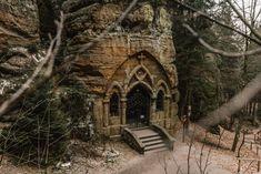 Skalní kaple v Modlivém dole u Svojkova Environment Design, Czech Republic, Bar, Country, House Styles, City, Nature, Travel, Ruins