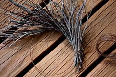 Rock River Stitches: Make Your Own Primitive Fall Twig Wreath - I like this tuto. Rock River Stitches: Make Your Own Primitive Fall Twig Wreath – I like this tutorial the best. Twig Crafts, Wreath Crafts, Nature Crafts, Fall Crafts, Crafts To Make, Wood Crafts, Primitive Fall, Primitive Crafts, Primitive Christmas