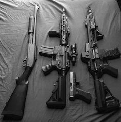 Gun Aesthetic, Badass Aesthetic, Bad Girl Aesthetic, Character Aesthetic, Armas Wallpaper, Pretty Knives, Weapon Concept Art, Fantasy Weapons, The Villain