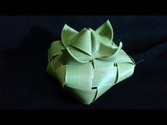 How to Make Small Basket with Palm Tree Leaves - YouTube