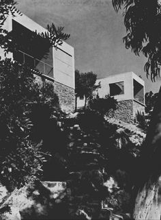 "Josep Lluis Sert & Josep Torres Clavé /// El Garraf Weeked Houses /// Sitges, Barcelona, Spain) /// OfHouses guest curated by FIG projects: ""The houses are masterful exercises in. Mediterranean Architecture, Modern Architecture, Sitges, Spain And Portugal, Landscape, Holiday Decor, Outdoor, Modernism, Plaza"