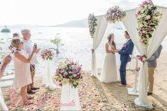 Ils se sont dit Oui Au Paradis sur une des plus belles plages de Koh Samui en Thaïlande. Sur cette plage du sud de Samui on peut apercevoir plusieurs autres îles de l'archipel. Un arrière-plan de rêve pour une cérémonie les pieds dans le sable.  #kohsamui #weddingplanner #love #ouiauparadis #plage #paradise #mariage #wedding #bride #groom  #sunset  #weddingdress #thailande #beach Samui, Paradis, Bridesmaid Dresses, Wedding Dresses, Dit, Pastel, Beach Ceremony, 10 Year Anniversary, Beautiful Moments
