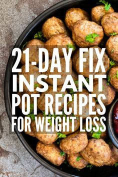 30 Low Carb Healthy Instant Pot Recipes for Weight Loss A collection of 30 simple and easy healthy instant pot recipes that support the Keto, Weight Watchers, and Fix diets to help you lose weight fast! - 10 21 Day Fix Instant Pot Recipes Best Instant Pot Recipe, Instant Pot Dinner Recipes, Instant Recipes, Vegetarian Recipes Instant Pot, Instapot Vegetarian Recipes, Instant Pot Meals, Healthy Instapot Recipes, Whole 30 Instant Pot, Easy Healthy Recipes