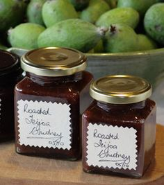Roasted Feijoa Chutney, could be for us Fejoa Recipes, Guava Recipes, Chutney Recipes, Fruit Recipes, Cooking Recipes, Jelly Recipes, Recipies, Feijoada Recipe, Pineapple Guava