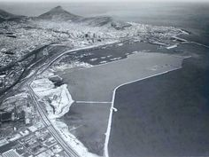 The Ben Schoeman dock in the making Star Fort, Old Photos, Vintage Photos, Cape Town South Africa, Port Elizabeth, Table Mountain, African History, Airplane View, Beach Buggy