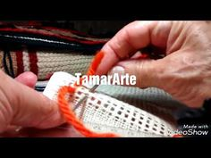 Ponto de Arraiolos na TALAGARÇA(adaptação) - YouTube Baby Moccasin Pattern, Latch Hook Rugs, Punch Needle, Rug Hooking, Needlepoint, Diy And Crafts, I Am Awesome, Projects To Try, Cross Stitch