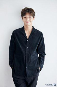 Park Seo-joon Proves He Is a Rom-Com Magnet with Latest Series Korean Men, Asian Men, Oppa Gangnam Style, Song Joong, Park Seo Joon, Handsome Korean Actors, Handsome Boys, Latest Series, Jung Hyun