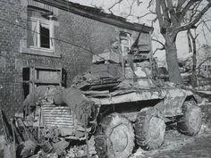 Voiture blindée M8 Greyhound de l'Escadron de cavalerie 4ème, 4ème groupe de cavalerie (rattaché à la 2e Division blindée) à Borzée, le 16 janvier 1945.