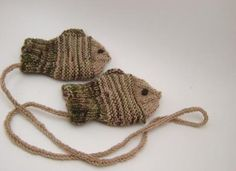 Ravelry: MightyGoodYarn's Fishens - free knitting pattern wish it was a crochet design!