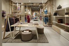 Damen Abteilung / hessnatur Laden Frankfurt am Main - Mode für Lebensstil und Lebensfreude mit Verantwortung für Mensch und Natur