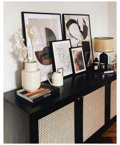 Casa Cozy: 5 Interior Pieces, die unsere vier Wände gemütlich machen #traditional #home #decor #contemporary Casa Cozy! Im Winter soll es zuhause vor allem gemütlich sein. Deshalb haben auch Patrick und ich in den letzten Wochen viel umdekoriert und unser Esszimmer fertiggestellt. Sobald man sich in der k… Cheap Home Decor, Diy Home Decor, Living Room Decor, Bedroom Decor, Design Bedroom, Home Living, Interior Decorating, Interior Design, Interior Stylist