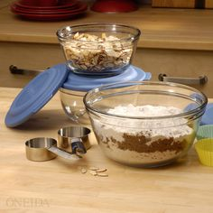 As seen on the Food Network! It's the Anchor Hocking 6 Piece Mixing Bowl Set