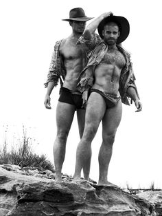Outback Dusk by Paul Freeman | Book Preview | Homotography