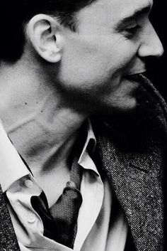 Look at his neck, there isn't one part of this man that isn't beautiful