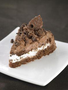 Mehevä suklaakakku   Maku Xmas Desserts, Sweet Desserts, Sweet Recipes, Delicious Desserts, Yummy Food, Baking Recipes, Cake Recipes, Chocolate Cake Designs, Cupcakes