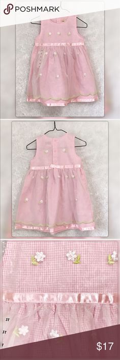 """Toffee Apple 3T Pink Gingham Dress NWT Shell Cotton Overlay Toffee Apple 3T Pink Gingham Dress NWT Pit to Pit 12""""Length 22"""" Gently Used with no flaws Toffee Apple 3T Pink Gingham Dress NWT Toffee Apple Dresses Casual"""