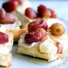 Fruit Appetizers, Healthy Appetizers, Appetizer Recipes, Cheese Appetizers, Best Vegetarian Recipes, High Protein Snacks, Brie, Food To Make, Roast
