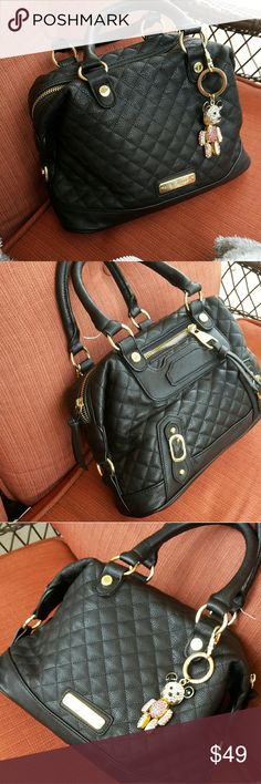 Steve madden  black quilted handbag Black quilted pattern by steve madden. As an added bonus...I will send the teddy bear key chain as a free gift with this purchase! Bags