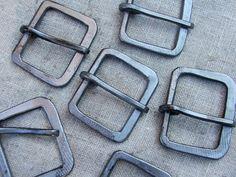 iron buckles medieval - Hledat Googlem